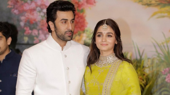 Ranbir Kapoor plans destination holiday for Alia Bhatt
