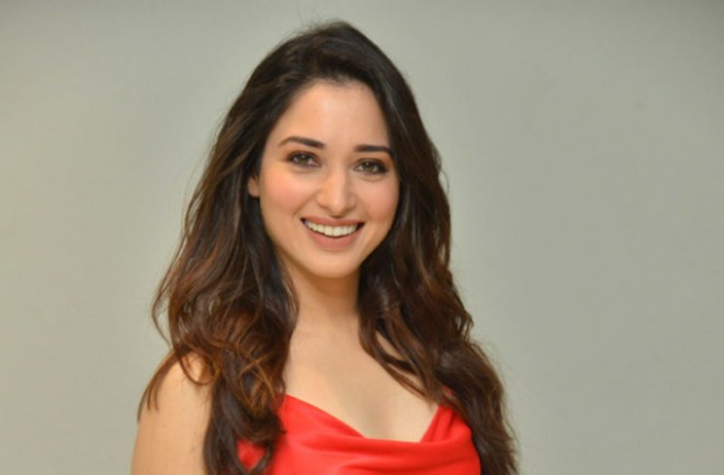 Tamannah to portray item number for Aadi